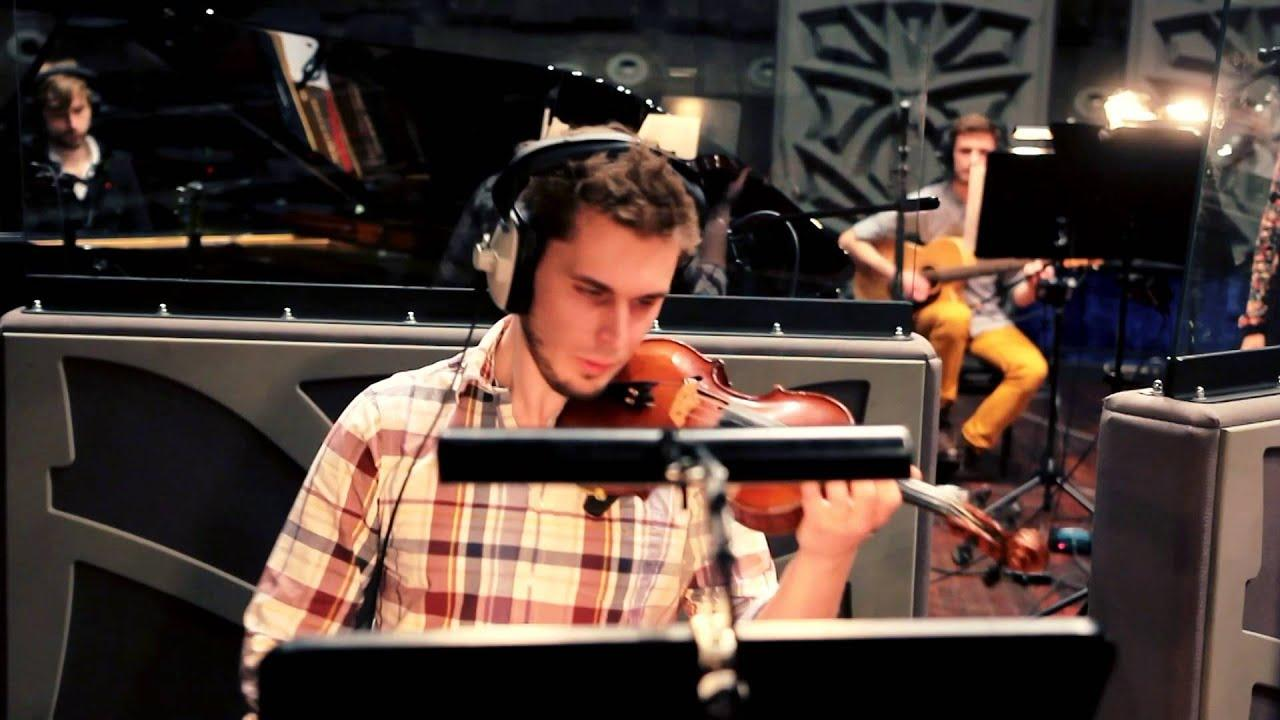 """Multiplayer Ensemble plays """"Ezio's Family"""" from Assassin's Creed II"""
